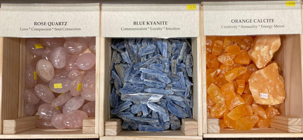 B4-RoseQuartz-BlueKyanite-OrangeCalcite